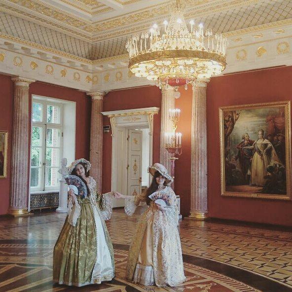 Бал во дворце