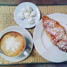 Доставка завтрака артистом