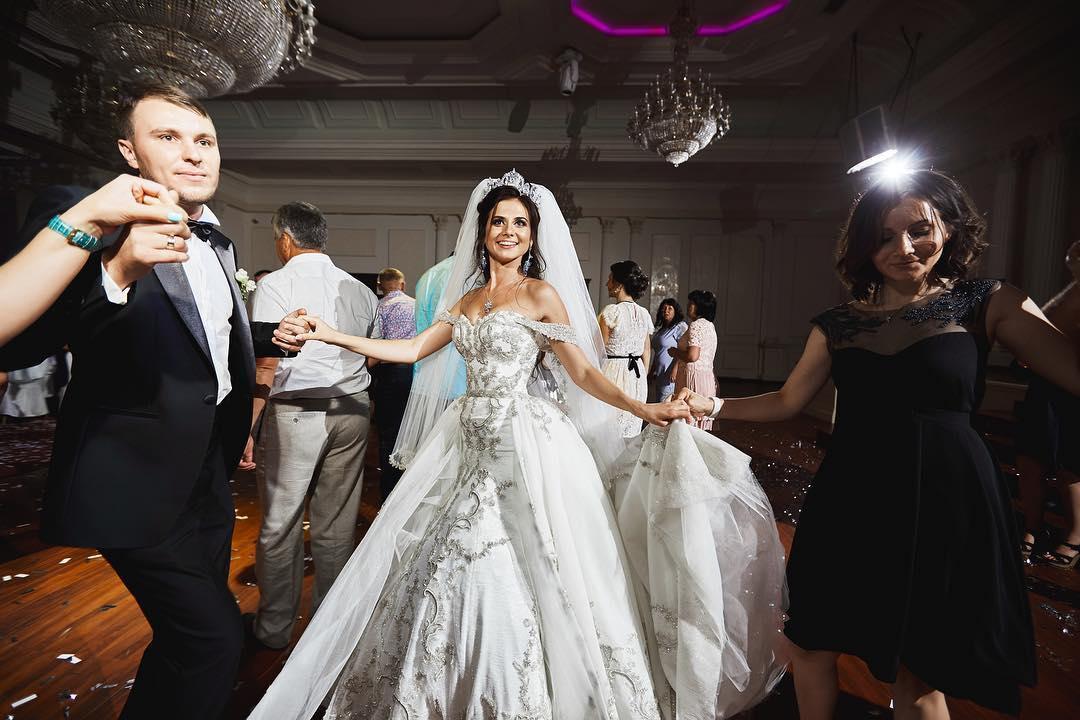 5 советов по выбору свадебной музыки от поющего ведущего